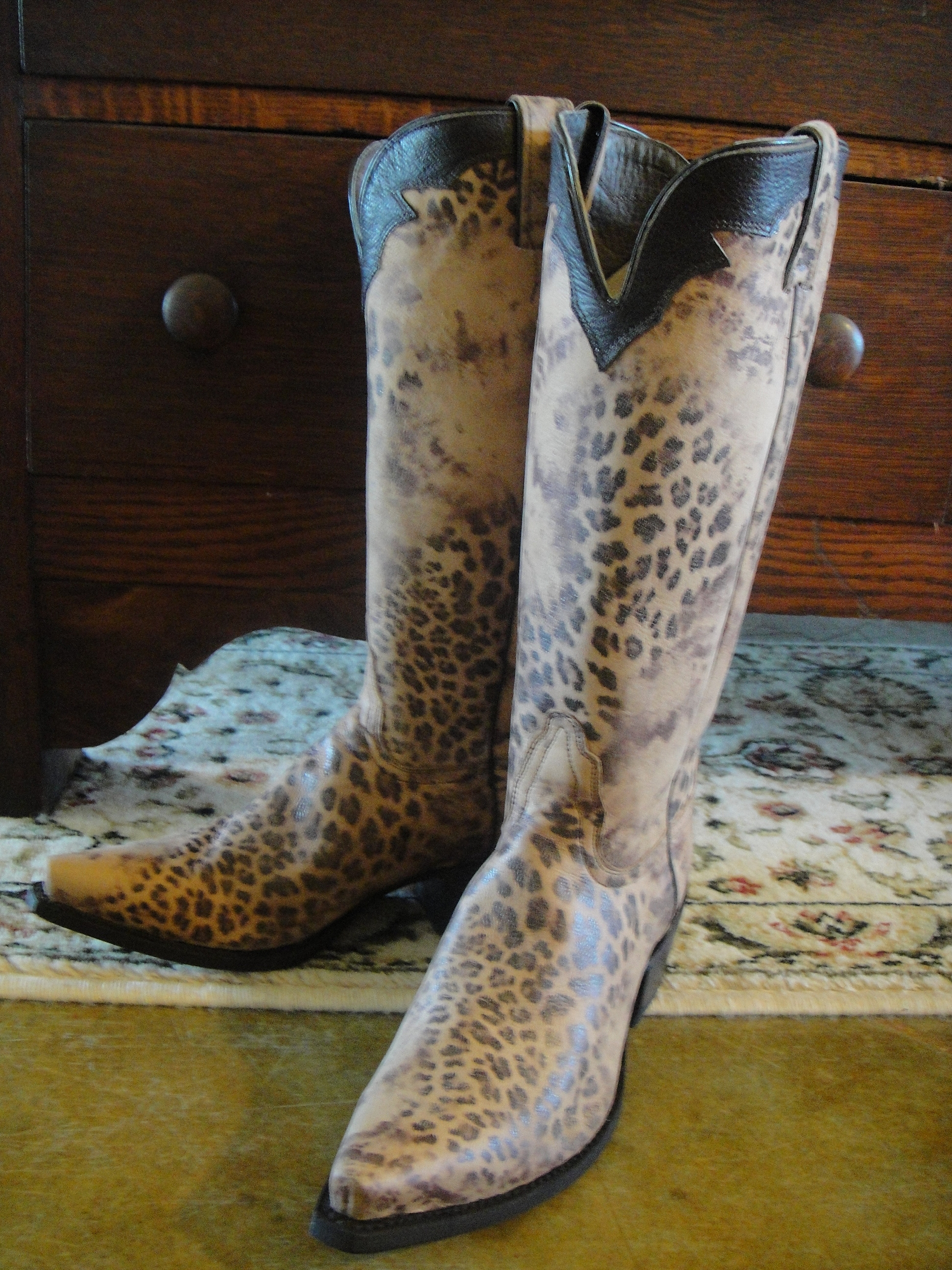 8d7aa2ec8fe New additions to my boot family – Country Girl, City Bling